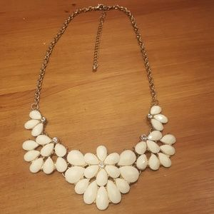 Jewelry - Cream and Gold Statement Necklace